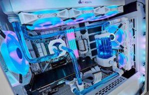 CORSAIR ofrece más componentes de refrigeración, ahora en blanco