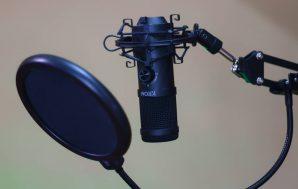 Krom Kapsule, review, unboxing y prueba de grabación en español