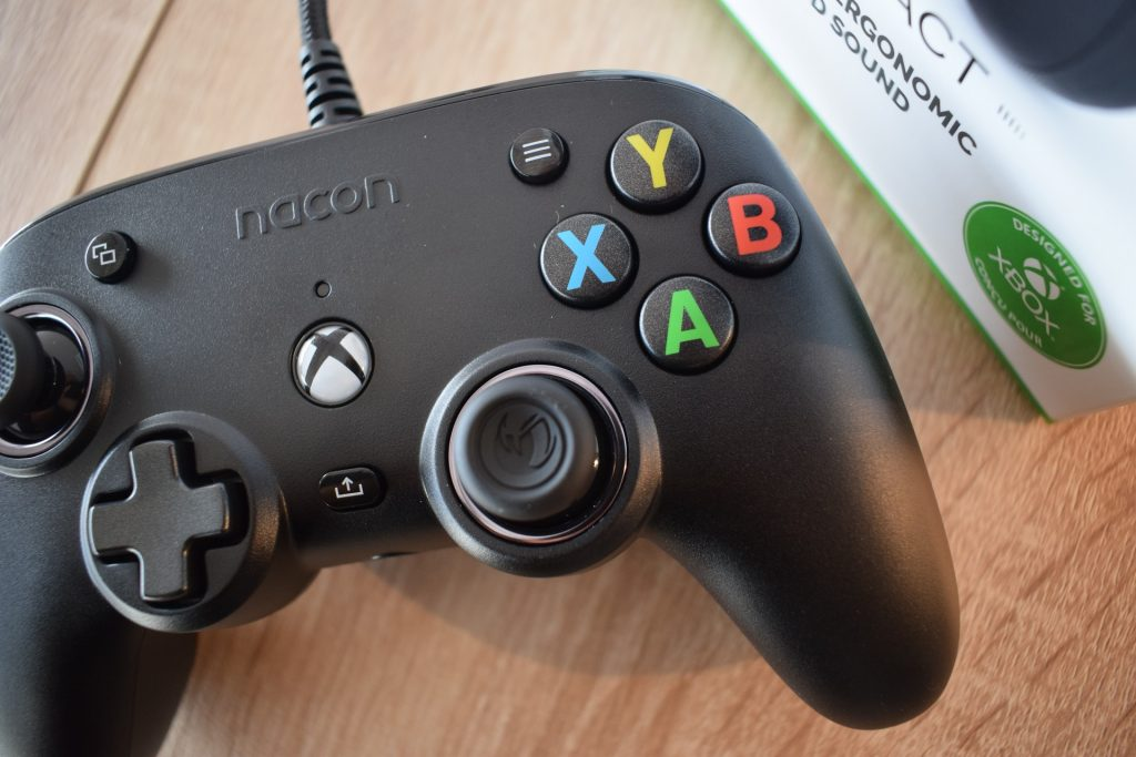 nacon pro compact game it